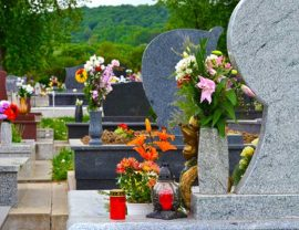 На кладбище зафиксированы случаи вандализма